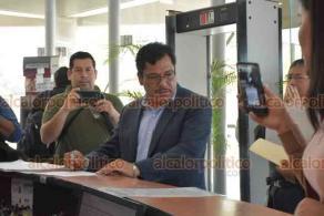 Xalapa, Ver., 15 de febrero de 2019.- El diputado local de MORENA, José Magdaleno Rosales Torres, acudió a la Fiscalía General del Estado a presentar una querella luego de que se filtró y se difundió en redes sociales una fotografía suya en la que aparece desnudo.