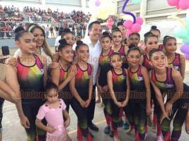 Boca del Río, Ver., 16 de febrero de 2019.- El gobernador Cuitláhuac García visitó el complejo deportivo