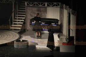 """Xalapa, Ver., 16 de febrero de 2019.- Se presentó en el Teatro del Estado el musical """"Mentiras"""", con la participación de las actrices Kika Édgar, Leni de La Rosa, Dalilah Polanco."""