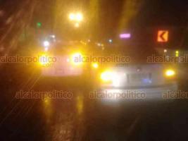 Xalapa, Ver., 18 de febrero de 2019.- Choque por alcance sobre la carretera Xalapa-Coatepec, a la altura de Los Arenales; un vehículo Volkswagen se impactó contra un March, elementos de Tránsito tomaron conocimiento del percance del que no se reportan lesionados.