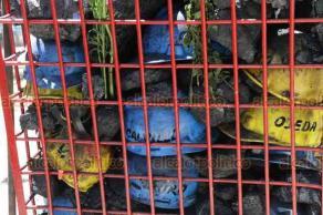 Ciudad de México, 19 de febrero de 2019.- A 13 años de la tragedia, familiares de los 65 mineros fallecidos en la mina de Pasta de Conchos los recuerdan con una misa e instalación de reja de rescate en el antimonumento +65, en la Bolsa Mexicana de Valores.
