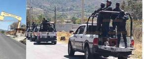 Atzompa, Ver., 22 de febrero de 2019.- Tras el linchamiento de 6 personas, Fuerza Civil y Policía Estatal mantienen la vigilancia en este municipio. En algunas partes de la carretera, pobladores colocaron piedras y troncos para controlar quiénes ingresan a las comunidades.
