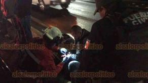 Xalapa, Ver., 17 de marzo de 2019.- Un motociclista en aparente estado de ebriedad chocó contra una camioneta Ford EcoSport, sobre la avenida Lázaro Cárdenas, a la altura de La Araucaria, el conductor fue atendido por paramédicos de la Cruz Roja.