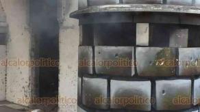 Veracruz, Ver., 19 de marzo de 2019.- La tarde de este martes se incendió parte del Expenal de Allende debido a la quema de basura en lo que era una caseta de vigilancia.