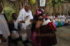 Papantla, Ver., 20 de marzo de 2019.- El Comité Organizador de Cumbre Tajín 2019 y el Consejo Totonaca, entregaron reconocimientos a líderes indígenas de todo el país que participaron en las actividades culturales del Festival de la Identidad.