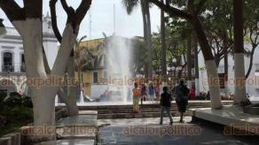 Veracruz, Ver., 21 de marzo de 2019.- Tres meses y mas 5 millones de pesos fue lo invertido en la remodelación del Zócalo, y cambios son mínimos; la explanada circular fue sustituida por una fuente, se pintaron bancas y se pulió el piso.