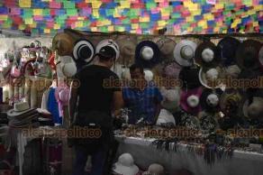 Xalapa, Ver., 21 de marzo de 2019.- Gran variedad de artesanías y manualidades se venden en Cumbre Tajín 2019, con la participación de 298 expositores de la región y del país.