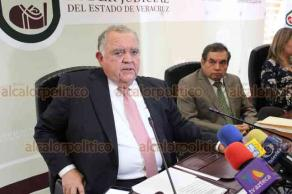Xalapa, Ver., 26 de marzo de 2019.- El magistrado presidente del TSJ, Edel Álvarez Peña al término de la sesión de la Judicatura expresó que el Poder Judicial va al día en el pago de sus cuotas al IPE.