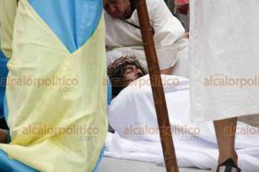 Ciudad de México, 19 de abril de 2019.- Los colonos de Peñón de los Baños de la Alcaldía Venustiano Carranza realizaron una gran escenificación de la Pasión de Cristo, como parte de la Semana Santa.