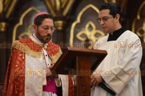 Xalapa, Ver., 20 abril de 2019.- Este sábado de Gloria, se realizó la ceremonia de oficio de laudes de comunidades neocatecumenales, presidida por el arzobispo Hipólito Reyes Larios.