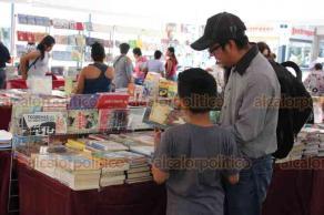 Xalapa, Ver., 22 de abril de 2019.- A partir de este lunes y hasta el 29, en Plaza Lerdo estará la segunda Feria del Libro Xalapeño con la participación de librerías independientes de la capital.