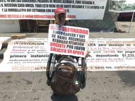 Xalapa, Ver., 23 de abril de 2019.- El ciudadano Mario Dávalos Romero de escasos recursos, pide el apoyo urgente del Gobernador del Estado, ya que sufre de cáncer de piel desde hace 8 meses.