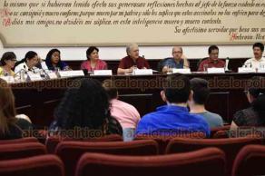 Xalapa, Ver., 23 de abril de 2019.- En sesión extraordinaria de Cabildo, el Ayuntamiento acordó que se llevará a cabo el proceso de hermanamiento con el estado de Oaxaca.