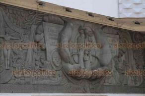Murales en relieve de dimensiones monumentales en Tihuatlán, Poza Rica, Xalapa y su natal Papantla son parte del legado que deja el artista Teodoro Cano.