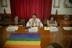 Xalapa, Ver., 17 de mayo de 2019.- En el Salón Benito Juárez de Palacio de Gobierno, funcionarias y activistas conmemoraron el Día Nacional de la Lucha contra la Discriminación por Orientación Sexual y el Día Internacional contra la Homofobia, la Transfobia y la Bifobia, informando sobre la situación de la entidad en esta materia.