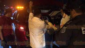Xalapa, Ver., 19 de mayo de 2019.- Durante operativo de alcoholimetría realizado la madrugada de este domingo, un hombre se molestó porque retiraron su vehículo de circulación, después de que la unidad fue remolcada comenzó a insultar a los oficiales.