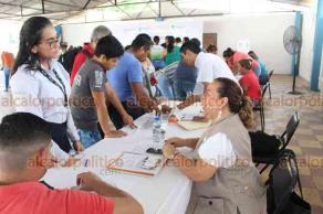 """Veracruz, Ver., 22 de mayo de 2019.- Este martes se efectuó el primer evento denominado """"Empléate en tu colonia"""", el cual se desarrolló en la comunidad de Santa Fe, misma que se encuentra a casi una hora del centro de la ciudad."""
