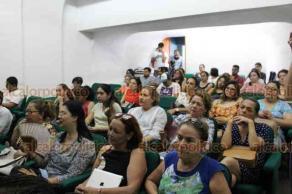 """Xalapa, Ver., 22 de mayo de 2019.- Como parte de las actividades del """"Foro Emerge"""", organizado por alumnos de la Facultad de Ciencias Administrativas y Sociales de la UV, se presentó el foro """"Salud mental por un desarrollo integral"""" en el auditorio """"Alberto Beltrán""""."""