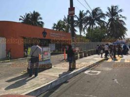 Veracruz, Ver., 25 de mayo de 2019.- La avenida Lafragua fue cerrada parcialmente a la altura de la Facultad de Psicología por el examen de admisión a la Universidad Veracruzana. El Campus Mocambo, en Boca del Río, está vigilado por elementos de Tránsito para mejorar la vialidad.