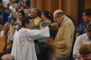 Xalapa, Ver., 26 de mayo de 2019.- Durante la homilia de este domingo, el arzobispo Hipólito Reyes Larios pidió por los jóvenes que este fin de semana hicieron el examen de admisión a la Universidad Veracruzana.