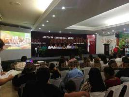 Coatzacoalcos, Ver., 26 de junio de 2019.- Este miércoles se realizó el ciclo de pláticas sobre la adecuada convivencia animal, a la cual asistió el titular de la Fiscalía Especializada en Delitos Ambientales y Contra los Animales (FEDAYCA).