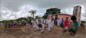 Papantla, Ver., 22 de julio de 2019.- Habitantes llevaron a cabo la ceremonia para la instalación de un nuevo palo volador, en donde pidieron permiso a los dioses totonacas.