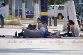 Veracruz, Ver., 18 de agosto de 2019.- Turistas y locales disfrutan este domingo las playas de la conurbación.