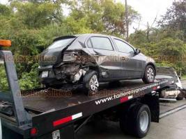 Coatepec, Ver., 20 de agosto de 2019.- Al menos otros 3 accidentes viales se registraron en la Xalapa-Coatepec, este martes, en distintos puntos de la carretera.