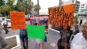 Veracruz, Ver., 21 de agosto de 2019.- Unas 200 personas marcharon la mañana de este miércoles a lo largo de la avenida Independencia para exigir que se revoque la concesión del servicio de agua potable a la empresa Grupo MAS.