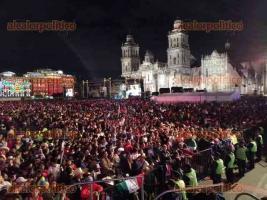 Ciudad de México, 15 de septiembre de 2019.- Miles de personas abarrotaron el Zócalo para escuchar el primer Grito de la Independencia del presidente Andrés Manuel López Obrador.