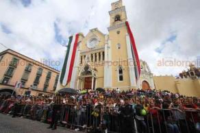 Xalapa, Ver., 16 de septiembre de 2019.- Xalapeños se congregaron en el Centro de la capital para el desfile cívico-militar con motivo del aniversario de la Independencia de México.