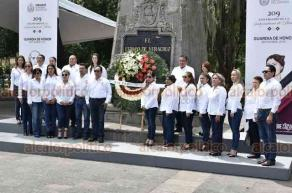 Xalapa, Ver., 17 de septiembre de 2019.- Rinde Guardia de Honor el Sindicato Único de Trabajadores al Servicio del Poder Legislativo (S.U.T.S.P.L), encabezados por José de Jesús Rodríguez Hernández.