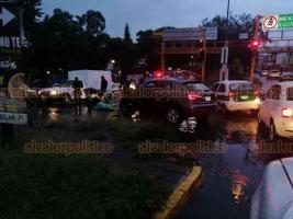 Xalapa, Ver., 17 de septiembre de 2019.- La tarde-noche de este martes, dos mujeres fueron atropelladas en la avenida Maestros Veracruzanos, esquina Adalberto Tejeda, sin embargo, no resultaron con lesiones de gravedad y se retiraron por sus propios medios.