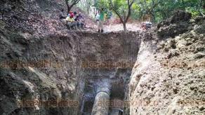 Poza Rica, Ver., 19 de septiembre de 2019.- Una fuga en la línea que proviene desde la planta de distribución ubicada en la comunidad Corralillos de Coatzintla, afectó el abasto de agua en Poza Rica.