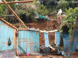 La Perla, Ver., 20 de septiembre de 2019.- Lluvias reblandecieron laderas de cerros y provocaron deslizamientos que afectaron a media centena de hogares.