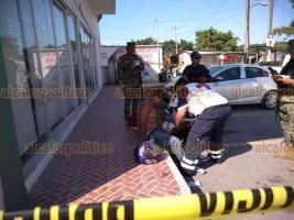 Veracruz, Ver., 20 de septiembre de 2019.- Un sujeto que habría intentado cometer un asalto fue baleado por las personas a quienes pretendía atracar, a la altura de la gasolinera en la entrada al fraccionamiento Casas Ara, en la localidad de Tejería.
