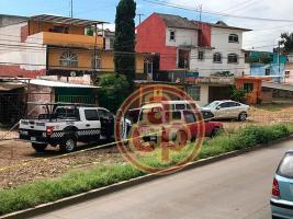 Xalapa, Ver., 21 de septiembre de 2019.- Policías acordonaron la zona donde fue hallada la camioneta en la que se llevaron a comerciante.