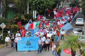 Xalapa, Ver., 21 de septiembre de 2019.- Integrantes del Frente Nacional por la Familia (FNF) protestaron a pie, como cada año, para pronunciarse a favor de la vida desde la concepción. Salieron de la Unidad de Economía hacía del centro de la ciudad.