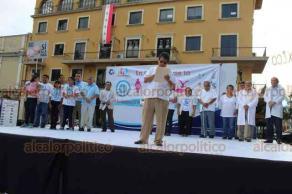 Córdoba, Ver., 21 de septiembre de 2019.- Miembros de la iglesia católica, evangélica y sociedad civil de unieron en una marcha para defender la vida desde la concepción hasta la muerte. Partieron del parque de San José para llegar a la plaza 21 de Mayo.