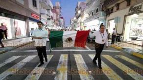 Veracruz, Ver., 21 de septiembre de 2019.- Integrantes del Frente Nacional por la Familia marcharon por calles del Centro Histórico del Puerto de Veracruz, para exigir que se respete la desde la concepción hasta la muerte.