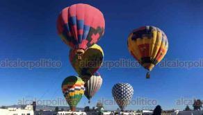Perote, Ver., 22 de septiembre de 2019.- Celebrando a San Miguel Arcángel, patrono de la comunidad, nuevamente se realizó la feria Perote 2019 con la exhibición de globos aerostáticos a un costado de la Fortaleza de San Carlos.