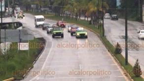 """Xalapa, ver., 12 de octubre de 2019.- Con la finalidad de reducir el número de accidentes registrados sobre la carretera Xalapa-Coatepec, elementos de Tránsito del Estado implementan operativo """"Carrusel"""" en ambos sentidos."""