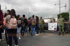Ciudad de México, 16 de octubre de 2019.- En el Zócalo, integrantes de la Guardia Nacional buscan reclutas para el nuevo cuerpo de seguridad.