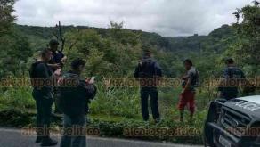 Teocelo, Ver., 18 de octubre de 2019.- La tarde de este viernes, fue hallado un cadáver en estado de descomposición en la carretera Teocelo-Coatepec, a la altura de la barranca Matlacóbatl. Por redes, el Ayuntamiento de Teocelo pidió circular con precaución por la zona.
