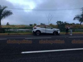 Emiliano Zapata, Ver., 19 de octubre de 2019.- Accidente en la carretera Xalapa-Veracruz, a la altura de El Lencero, con dirección a Veracruz, dos vehículos involucrados y dos personas lesionadas leves.