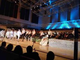 """Xalapa, Ver., 19 de octubre de 2019.- Numeroso público asistió a la primera presentación de la ópera """"Carmen"""", celebrada en la sala Tlaqná. Una parte de lo recaudado será destinado a la Fundación AHTECA."""