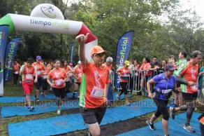 Xalapa, Ver., 20 de octubre de 2019.- Con gran participación de corredores se realizó la Carrera Verde INECOL 2019, en el Santuario del Bosque de Niebla con las categorías 9.2K y 4.6K en ramas varonil y femenil.