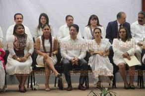 Xalapa, Ver., 21 de octubre de 2019.- Este lunes se llevó a cabo el primer Informe de Diputados Federales de Veracruz, en el Congreso del Estado, al cual asistió Mario Delgado, coordinador de legisladores de MORENA.