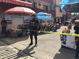 Xalapa, Ver., 21 de octubre de 2019.- La tarde de este lunes se reportaron balazos en una carnicería ubicada en la avenida Atenas Veracruzana, esquina Francisco Orozco, en la colonia Revolución.