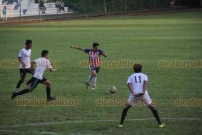 Xalapa, Ver., 21 de octubre de 2019.- El equipo de fútbol Consti-Teleclic llegó a la Final de la Copa Nissan 2019, en la cancha de la USBI. El campeonato se definió por tiros penales, con los que fueron vencidos.